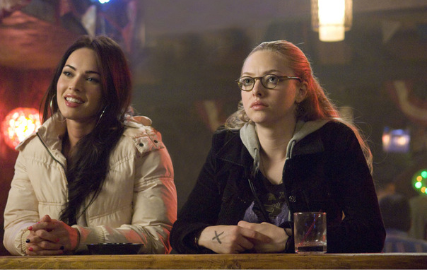 megan_fox_amanda_seyfried_jennifers_body1