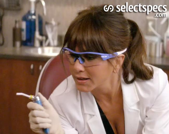 cost of oakley prescription lenses bvzt  Jennifer-Aniston-Oakley-Horrible-Bosses-SelectSpecs-2