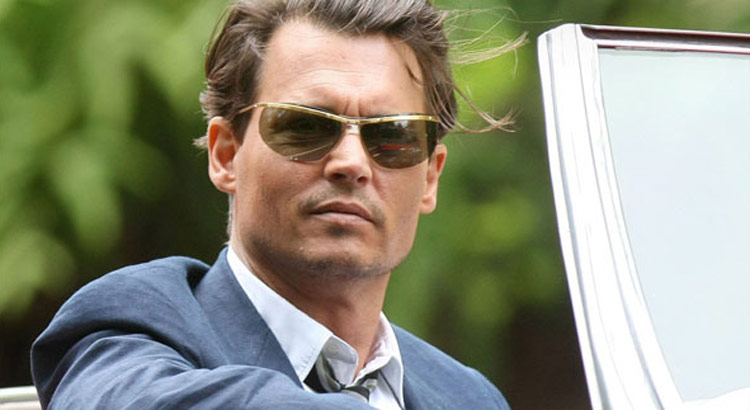 johnny-depp-sunglasses-rum-diary-1