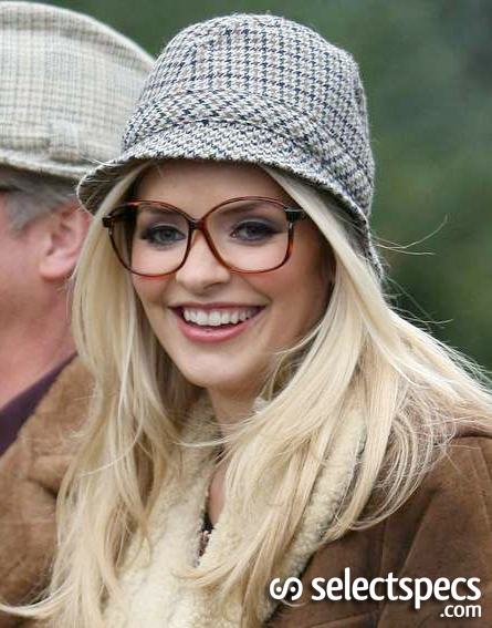 Holly-Willoughby-Geeky-Glasses-SelectSpecs