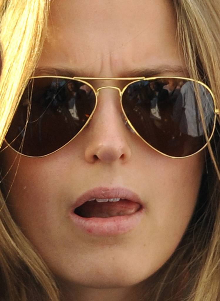 Kim Sears girlfriend of Andy Murray Sporting her usual Aviator Sunglasses