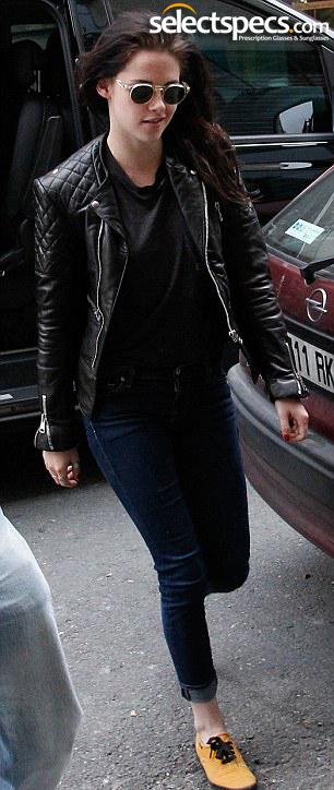 Kristen Stewart sunglasses in Paris Fashion Week 2012 - SelectSpecs