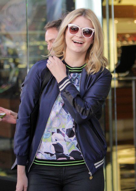 xpastel-sunglasses-mischa-barton.jpg.pagespeed.ic.yIAb_9NM-Z