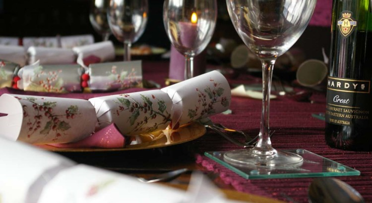 Christmas_cracker_table