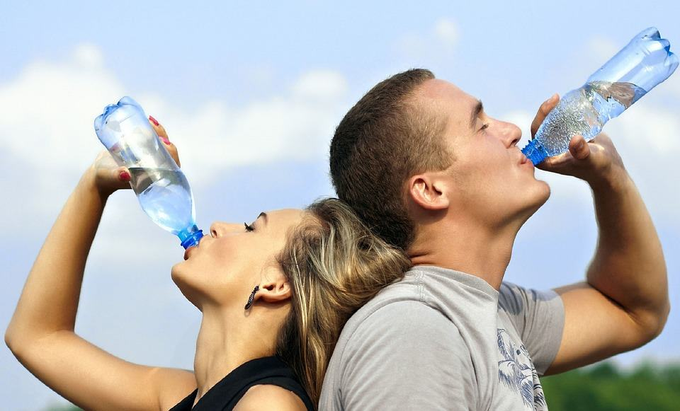 healthy liver and eyes drink water