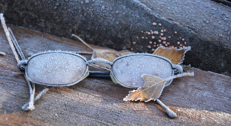 choosing glasses winter eyesight