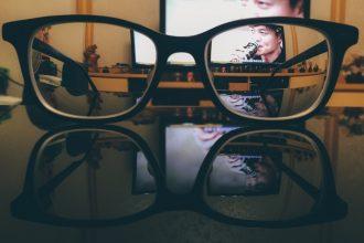 Schwarze Brillen SelectSpecs.com DE
