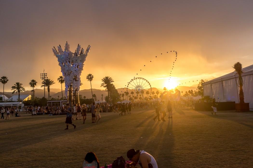 Coachella_music_and_arts_festival_sunset_landscape