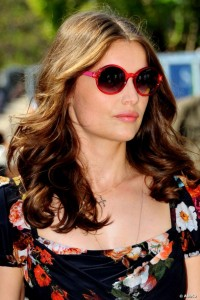 Laetitia-Casta-Circle-Sunglasses