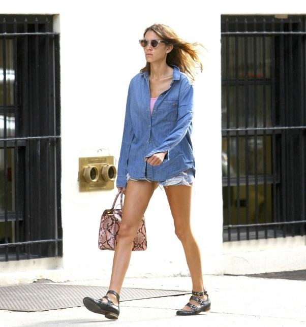 alexa-chung-double-denim-oversized-sunglasses