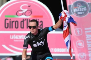 Sunglasses-for-cyclists-Bradley-Wiggins-Giro-d'Italia