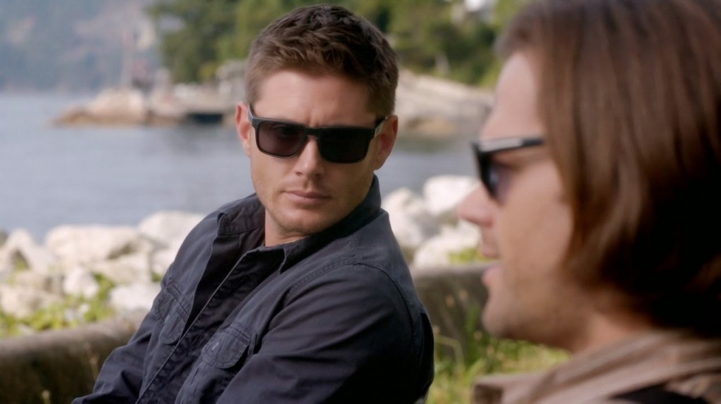 jensen-ackles-wears-oakley-sunglasses-in-supernatural