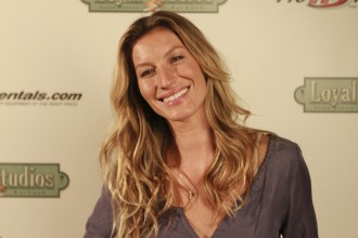 Celebrity-oblong-face-shapes-gisele-bundchen