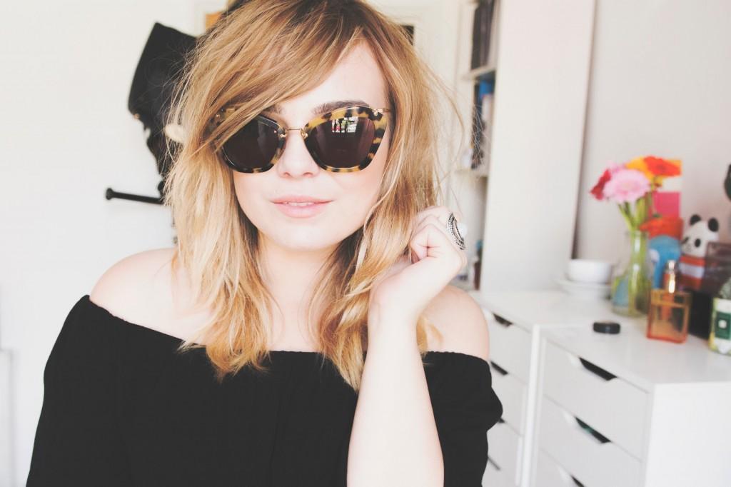 lily_melrose_miu_miu_sunglasses