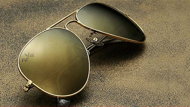 b5973422cb02 Ray Ban brand was founded by American company Bausch & Lomb in 1937 and it  is renowned for Wayfarer and Aviator styles of sunglasses.