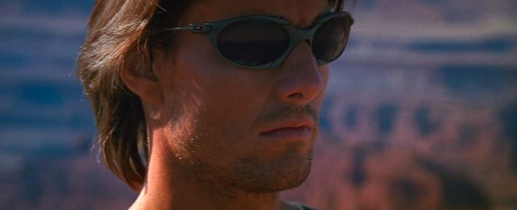 tom-cruise-oakley-mission-impossible