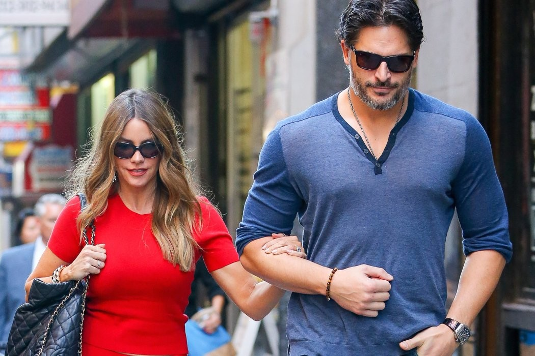 Joe_Manganiello_Sofia_Vergara_On_Honeymoon