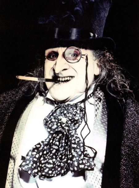 The_Penguin_monocle_batman