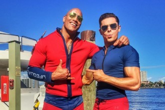 Zac Efron Dwayne Johnson Baywatch sunglasses