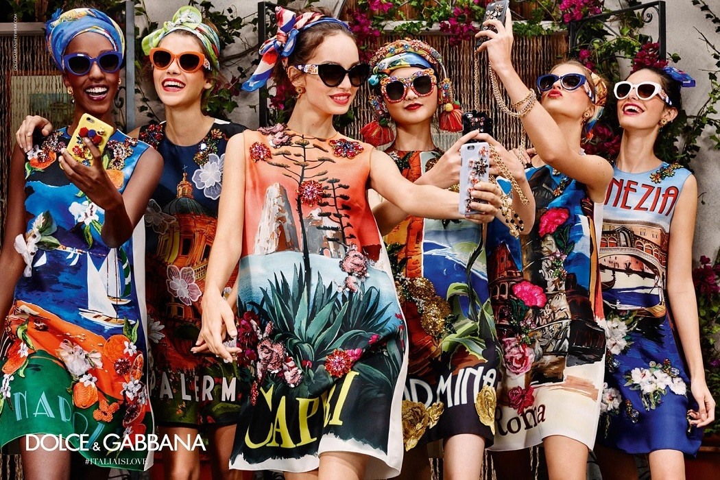 Dolce gabbana 39 s colourful new eyewear campaign fashion for Pubblicita occhiali da sole