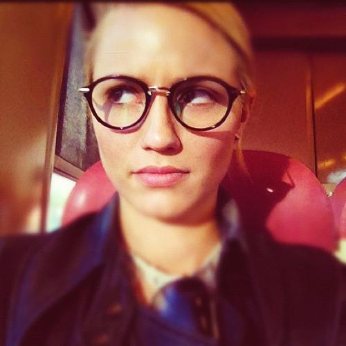 dianna agron glasses