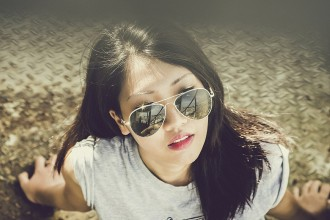 Woman sunglasses Ray Ban lookalikes