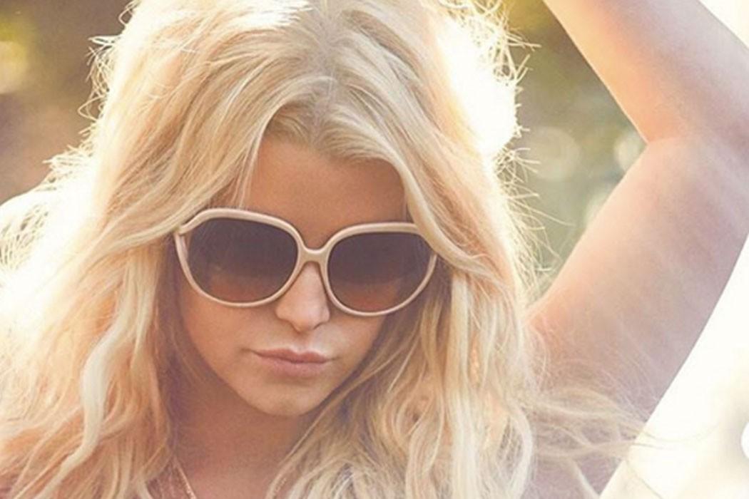 Jessica_Simpson_white_sunglasses