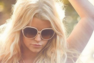 Jessica_Simpson_white_sunglasses