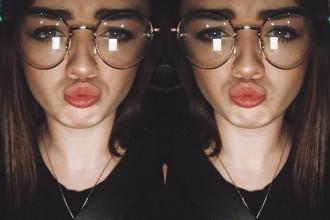 Maisie Williams Game of Thrones glasses