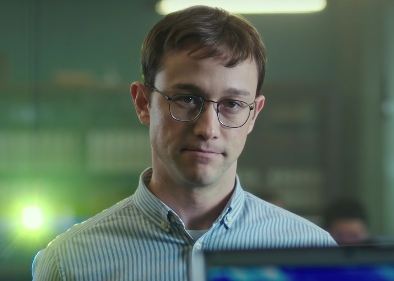 Joseph Gordon Levitt glasses in Snowdon movie