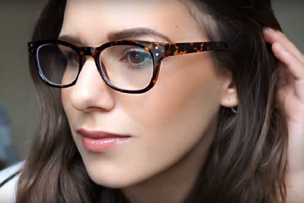 75eab720f55 Vloggers Who Love Their Glasses from Select Specs!