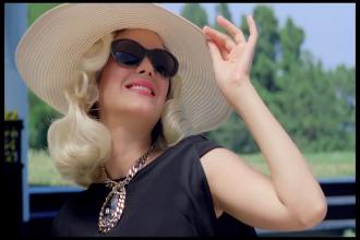 Marion Cotillard sunglasses style