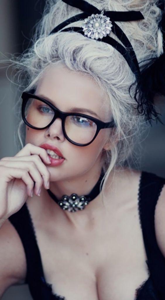 black specs marie antoniette insp.