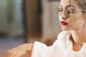 How To Style Red Glasses