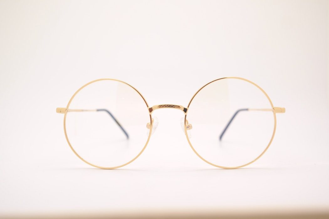 5 Ways to Style Round Glasses