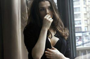 Celebrity Eyewear Style Profile: Rachel Weisz